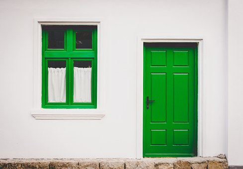 green front door feng shui